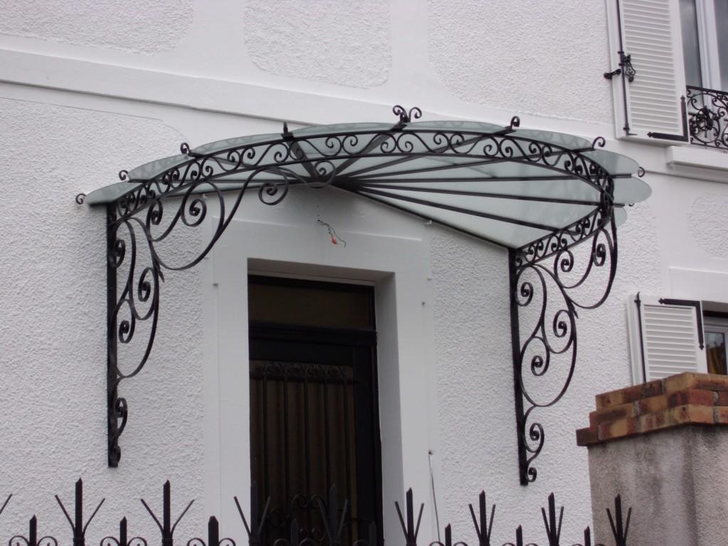 Marquises et portes d entr e l art de faire for Porte en verre et fer forge